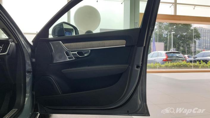 2021 Volvo S90 Recharge T8 Inscription Plus Interior 007
