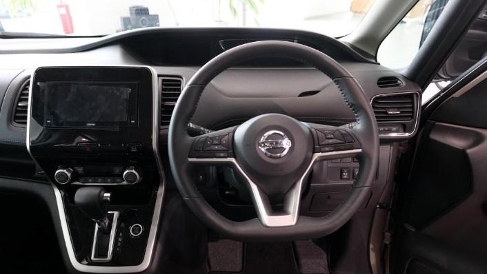 2018 Nissan Serena S-Hybrid Highway Star 2.0 Interior 004