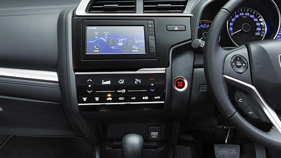 Honda Jazz (2018) Interior 004