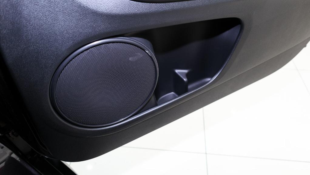 2019 Honda HR-V 1.8 E Interior 050