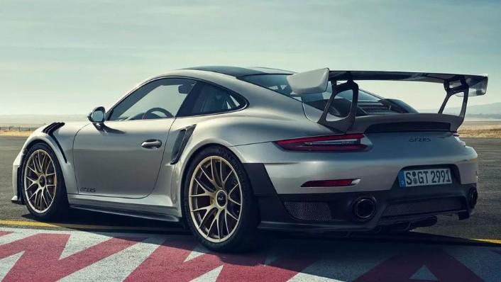 2019 Porsche 911 GT2 RS Exterior 007
