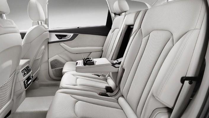 Audi Q7 (2019) Interior 006