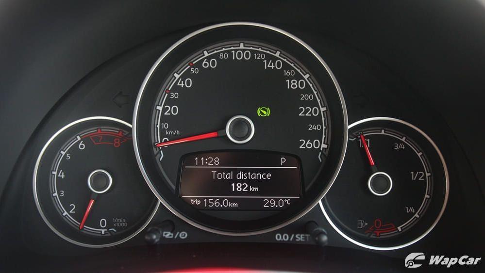 2018 Volkswagen Beetle 1.2 TSI Sport Interior 010