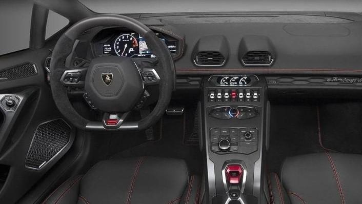 Lamborghini Huracán (2017) Interior 003