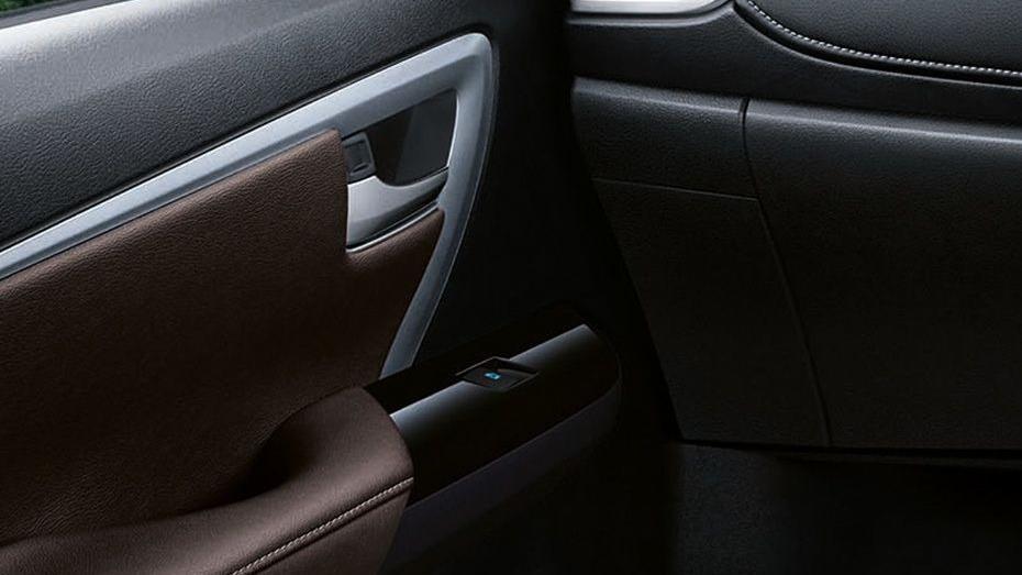 Toyota Fortuner (2018) Interior 011
