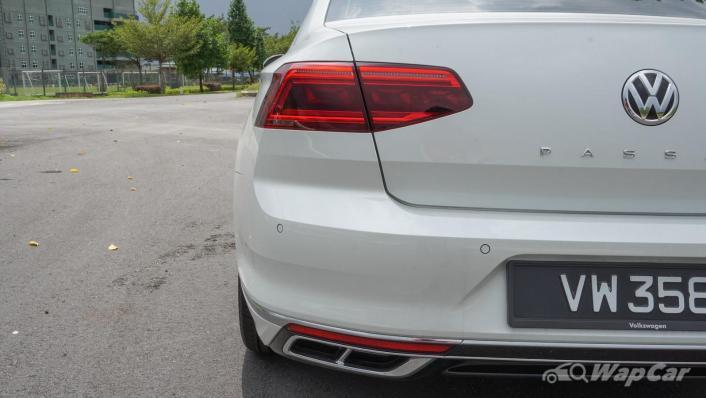 2020 Volkswagen Passat 2.0TSI R-Line Exterior 007