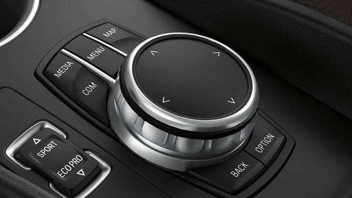 BMW i3s (2019) Interior 005