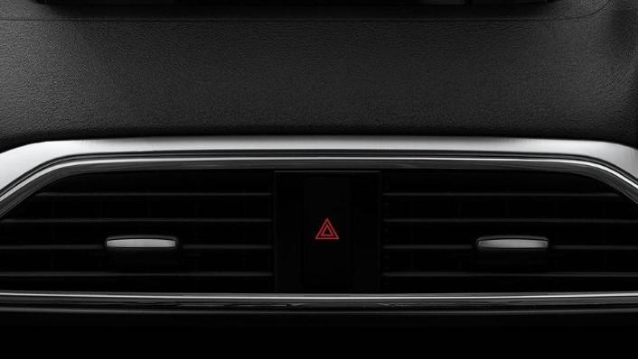 Mazda CX-9 (2018) Interior 005