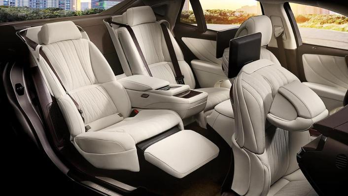 2020 Lexus LS Interior 008
