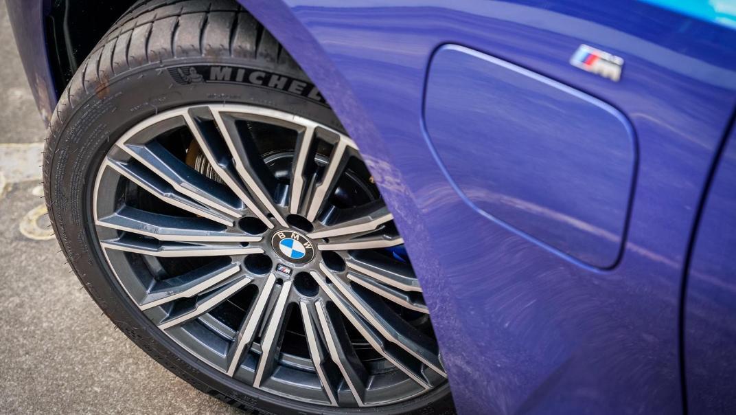 2020 BMW 3 Series 330e Exterior 017