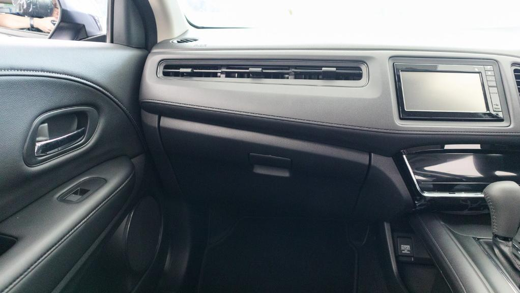 2019 Honda HR-V 1.8 E Interior 004