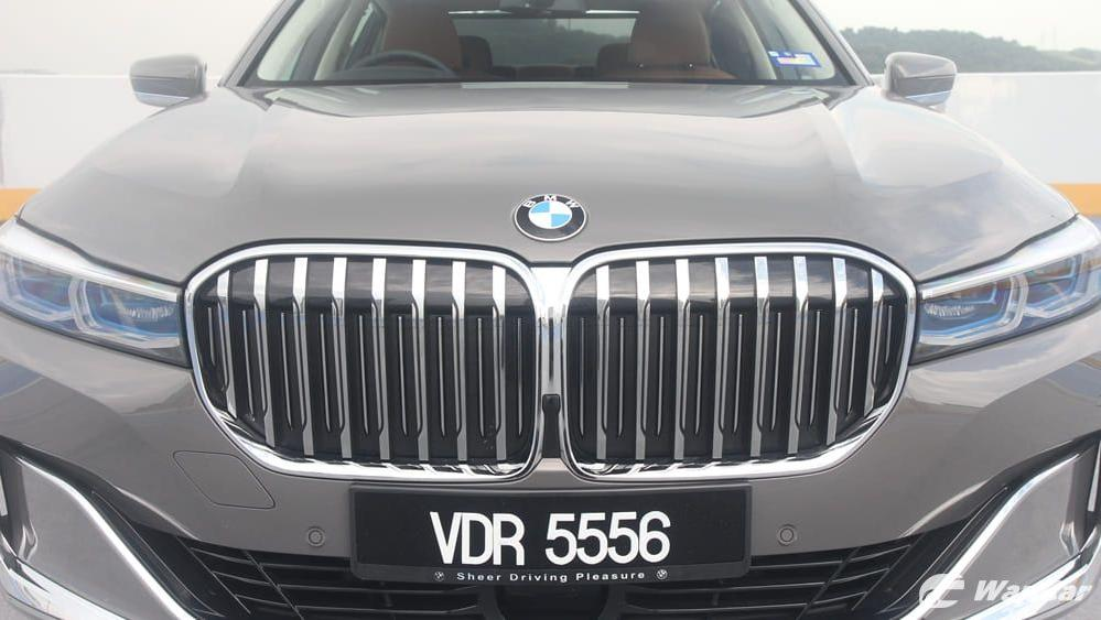 2019 BMW 7 Series 740Le xDrive Exterior 010