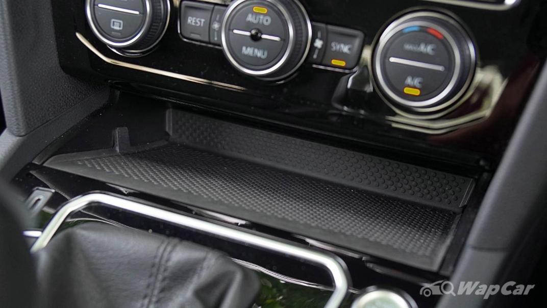 2020 Volkswagen Passat 2.0TSI Elegance Interior 029