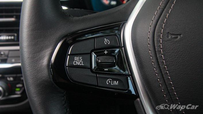2019 BMW 5 Series 520i Luxury Interior 007