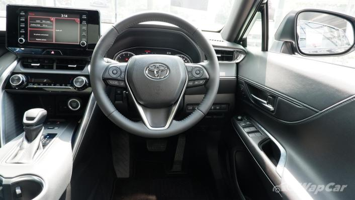 2021 Toyota Harrier 2.0 Luxury Interior 003