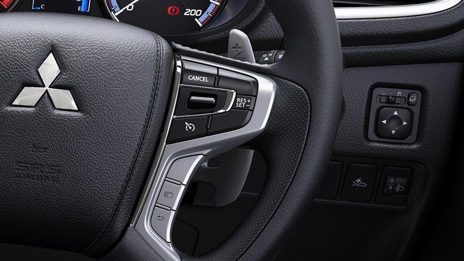 Mitsubishi Triton (2019) Interior 005