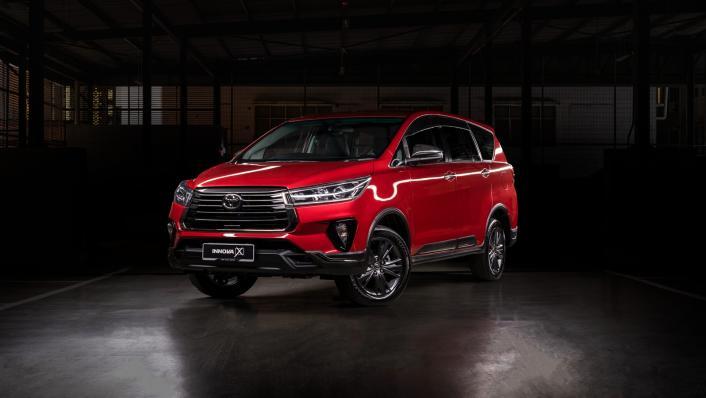 2021 Toyota Innova 2.0 X (AT) Exterior 001