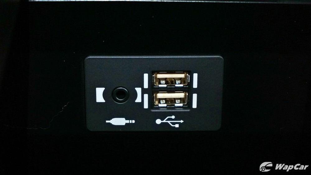 2020 Lexus UX 200 Luxury Interior 081