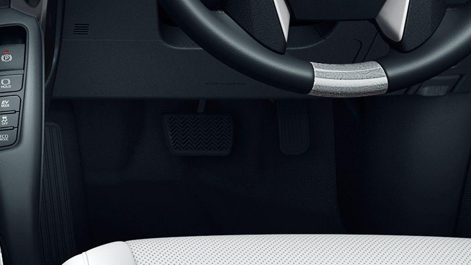 Toyota Alphard (2018) Interior 003