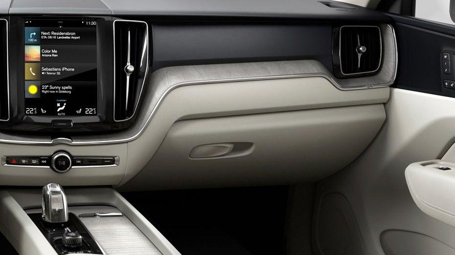 Volvo XC60 (2018) Interior 006