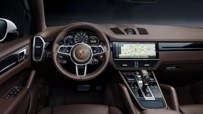 Porsche Cayenne (2019) Interior 002