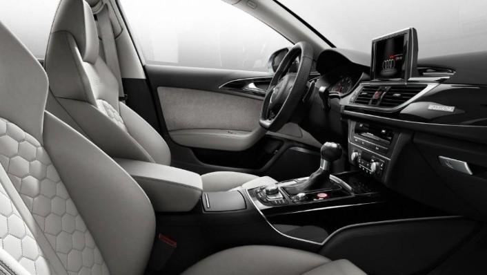 2020 Audi RS6 Avant Interior 005
