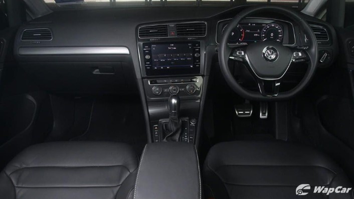 2018 Volkswagen Golf 1.4 TSI R-Line Interior 001