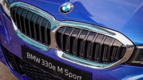 2020 BMW 3 Series 330e Exterior 012