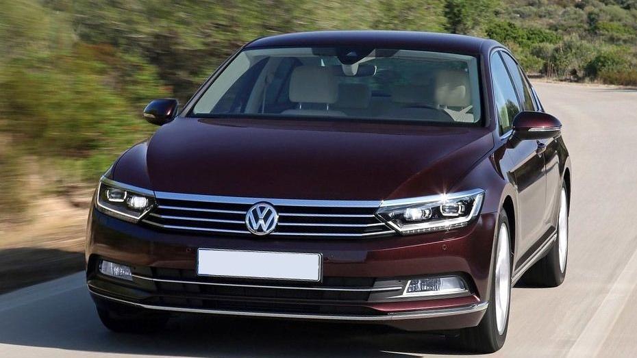 Volkswagen Passat (2018) Exterior 002