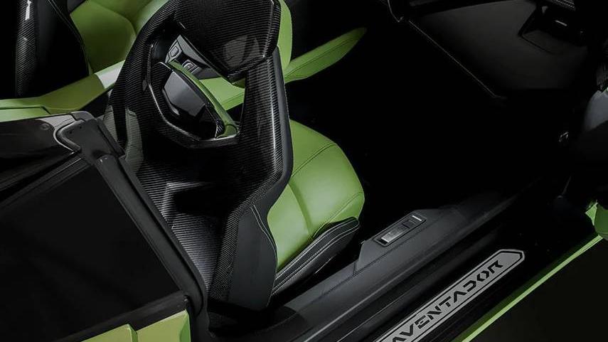Lamborghini Huracán (2019) Interior 008