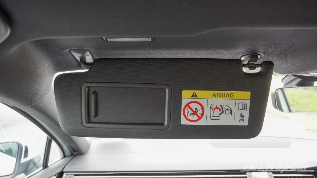 2020 Volkswagen Passat 2.0TSI R-Line Interior 012