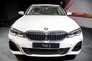 The BMW 330 Li answers a question nobody asked