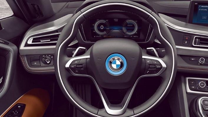 BMW i8 Coupe (2019) Interior 001
