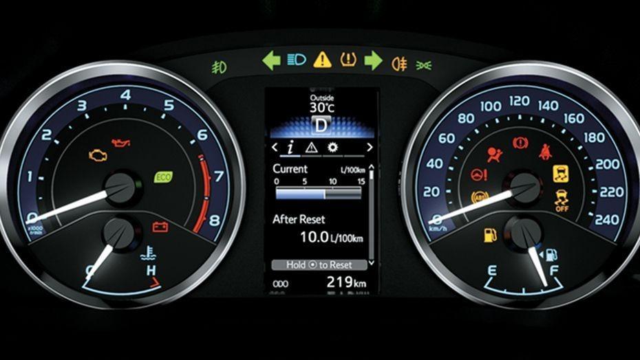 Toyota Corolla Altis (2018) Interior 004