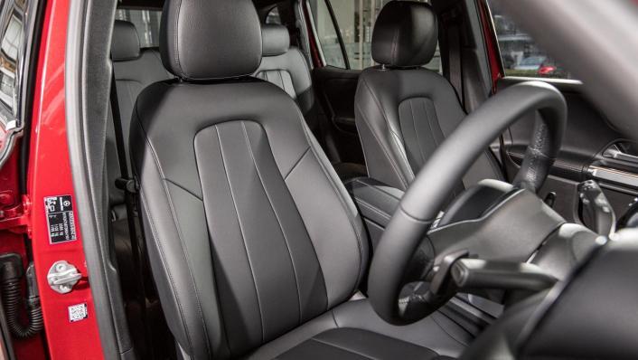 2020 Mercedes-Benz GLB 200 Progressive Line Interior 006