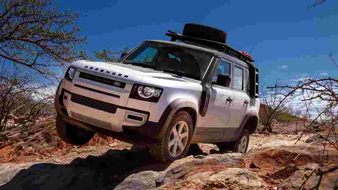 2020 Land Rover Defender media test fleet handed over to Red Cross