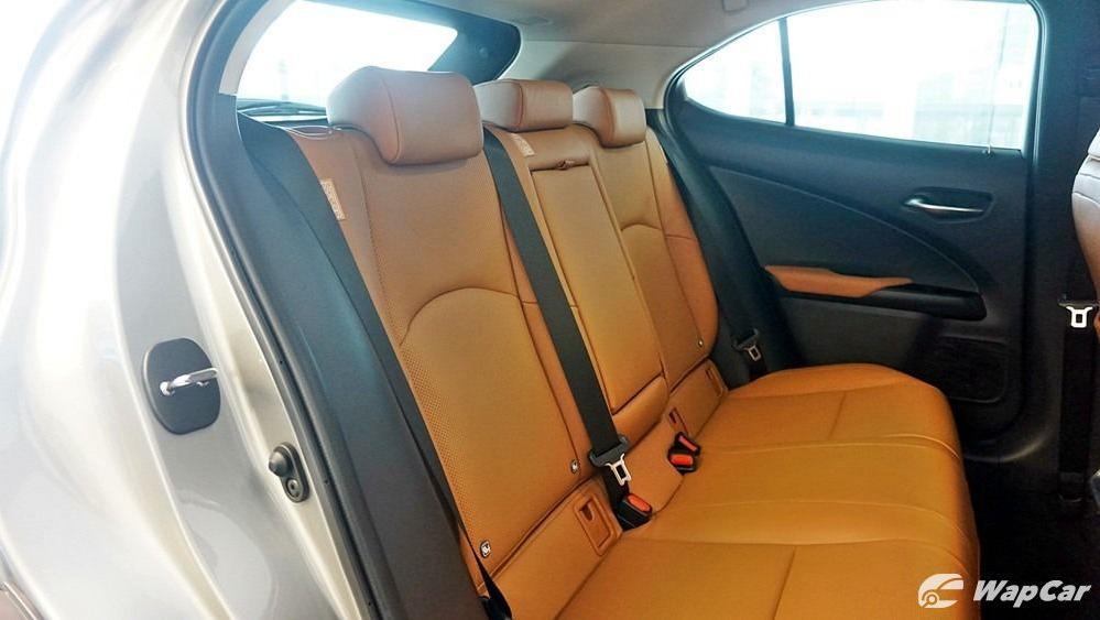 2020 Lexus UX 200 Luxury Interior 044