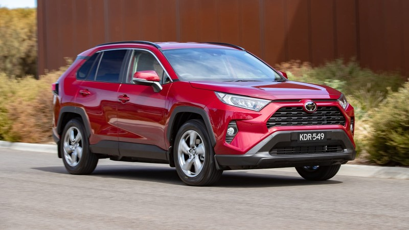 UMW Toyota cuts prices by up to 6%, RAV4 now from RM 196k! 02