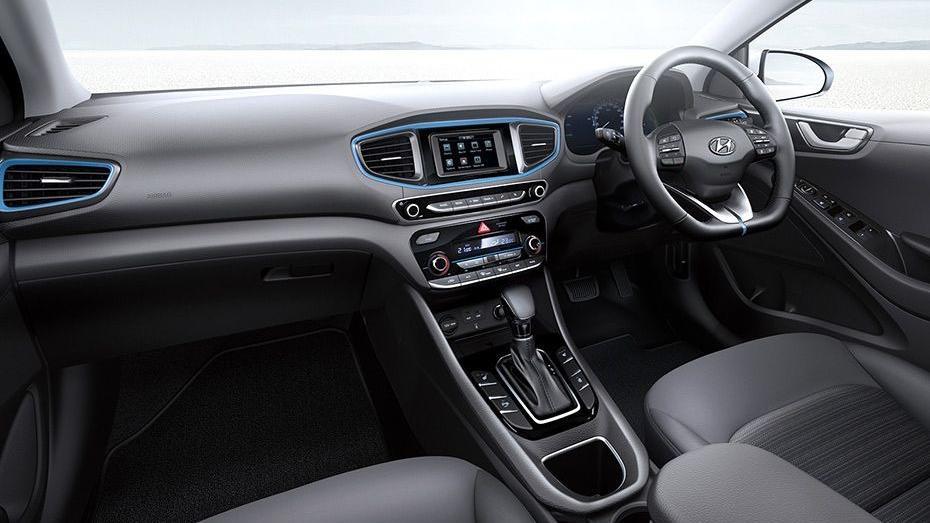 Hyundai Ioniq (2018) Interior 001