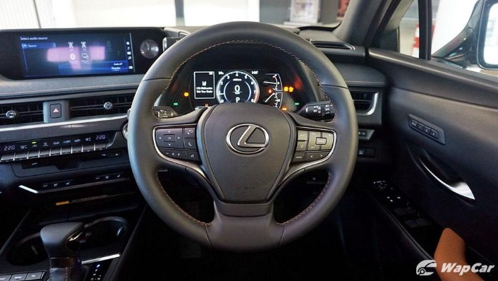 2020 Lexus UX 200 Luxury Interior 004