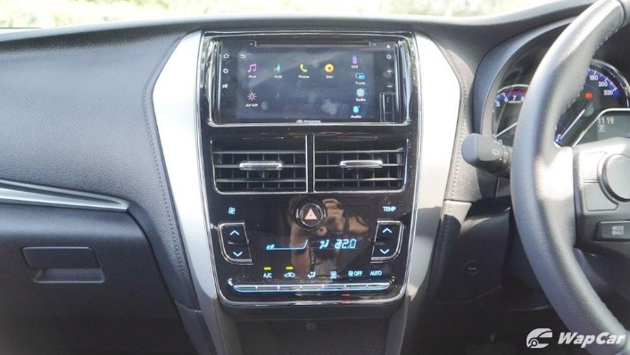 2019 Toyota Yaris 1.5G Interior 008