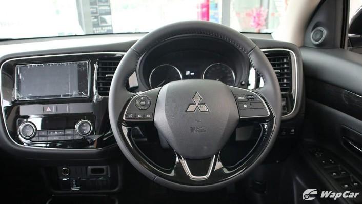 2018 Mitsubishi Outlander 2.0 CVT (CKD) Interior 005