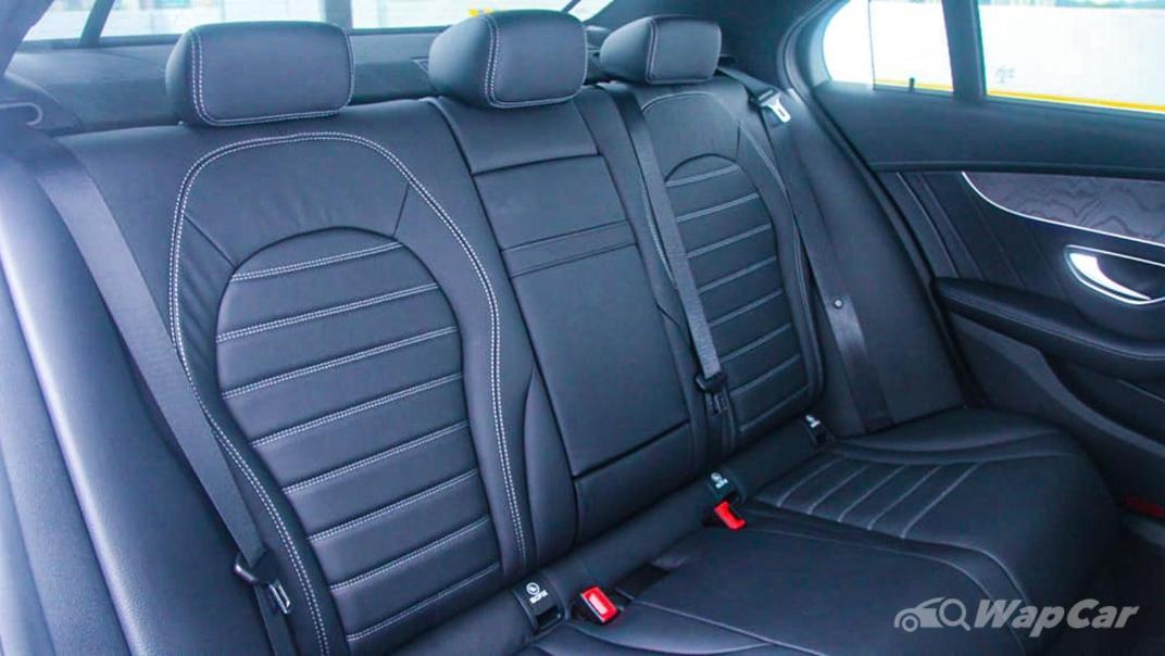2018 Mercedes-Benz C-Class C 300 AMG Line Interior 039