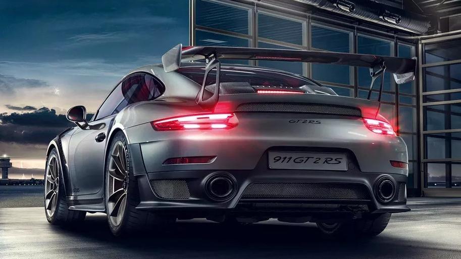 2019 Porsche 911 GT2 RS Exterior 006