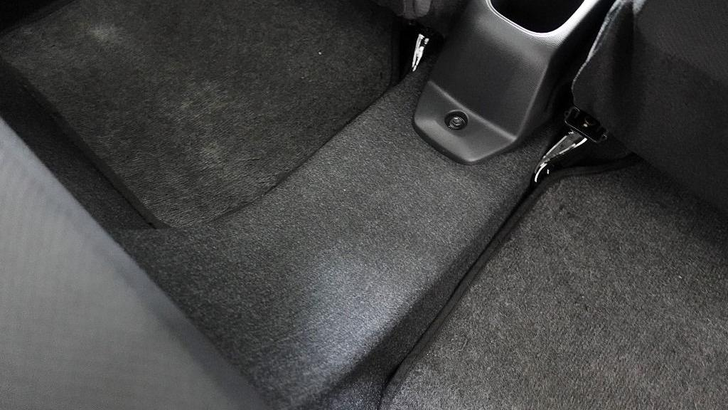 2018 Perodua Axia SE 1.0 AT Interior 040