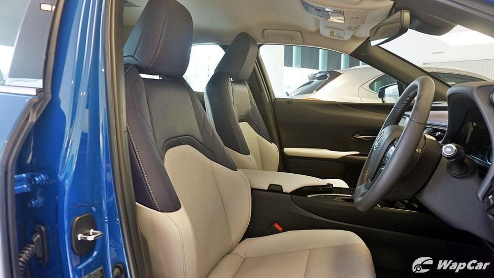 2020 Lexus UX 200 Luxury Interior 054