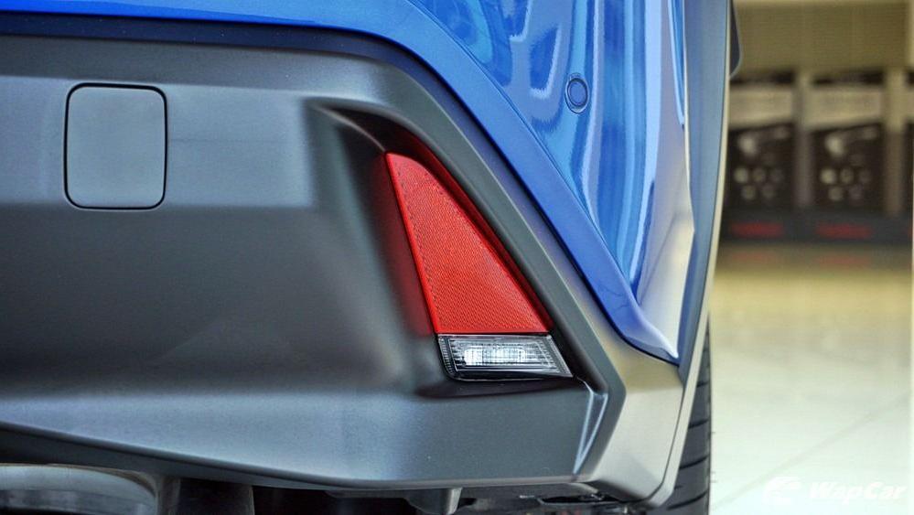 2020 Lexus UX 200 Luxury Exterior 045