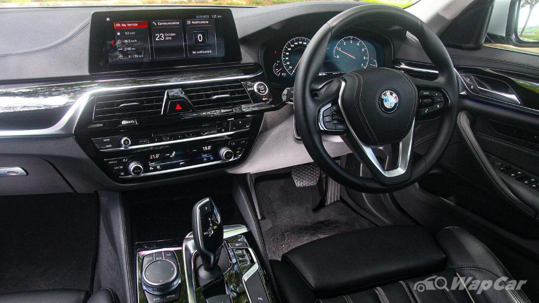 2019 BMW 5 Series 520i Luxury Interior 002