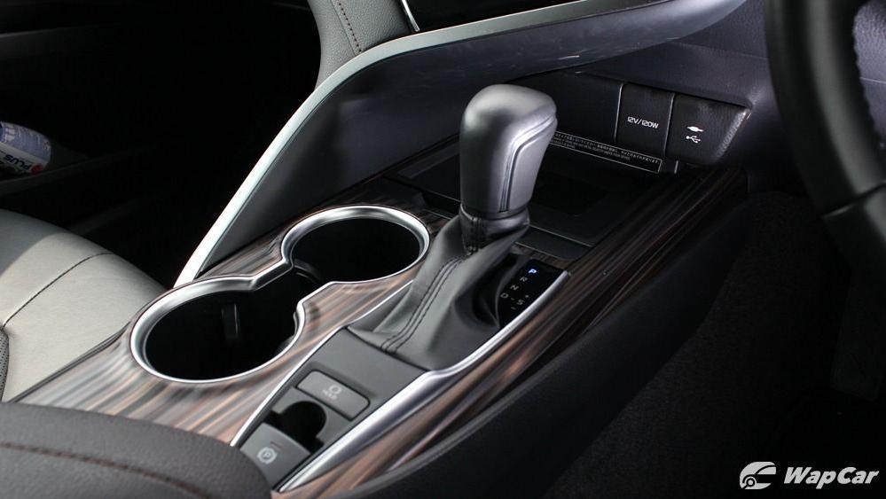 2019 Toyota Camry 2.5V Interior 054