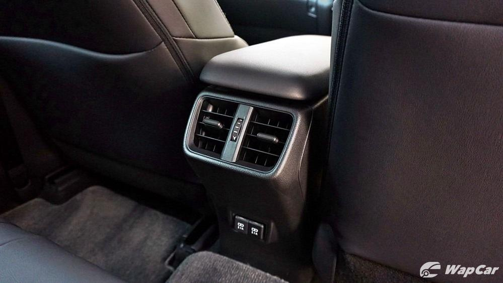 2020 Lexus UX 200 Urban Interior 045